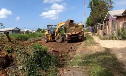 SEMINFRA intensifica as ações de limpeza nos bairro.